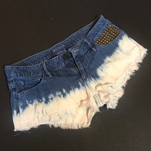 GUESS Distressed Short Shorts 26
